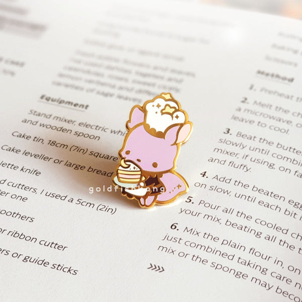 Reynard Manor Pin: Nadia the Baker - Goldfishkang