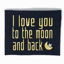 Quilt Labels - To The Moon Label With Motif 3x4