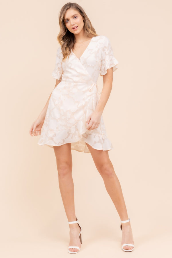 S/S FLORAL EMBOSSED RUFFLED WRAP DRESS