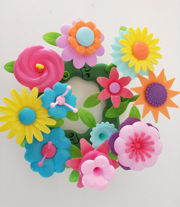 Plastic petals, flowers for building a garden toy Build a garden build a flower