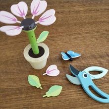Tender Leaf - Wooden flower building toy