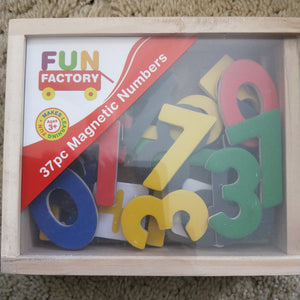 Wooden magnetic numbers and mathematical signs
