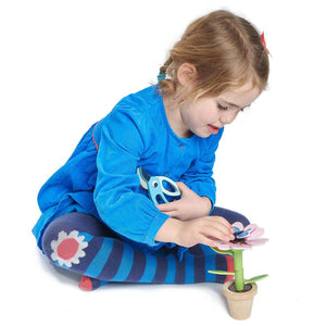 Wooden flower building toy- Girl playing with garden flower toy