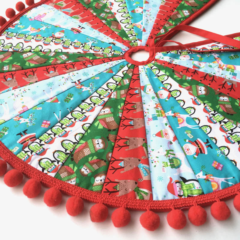 Pom Pom Christmas Tree Skirt