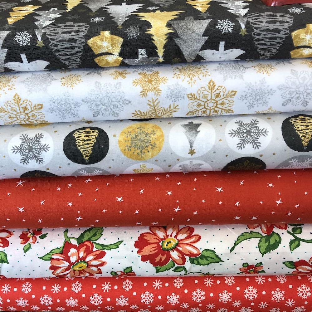 Classic Christmas Fat Quarter Pack
