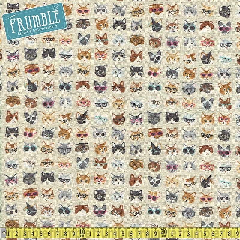 Cotton/Linen Animal World Clever Cats Natural - Frumble Fabrics