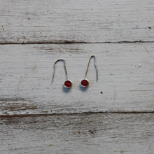 Load image into Gallery viewer, Silver Pull Through Earrings