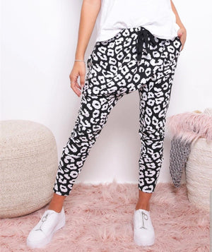 Billie Leopard Joggers Black/White