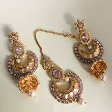 Load image into Gallery viewer, Gold polki Kundan pearl jhumka earrings and tikka set