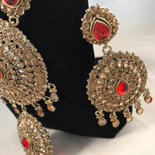 Load image into Gallery viewer, Antique gold and red indian bridal jewellery set