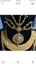 Load image into Gallery viewer, Traditional gold 8 piece Indian bridal jewellery