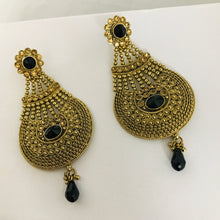 Load image into Gallery viewer, Antique gold black strand jhumar style earrings