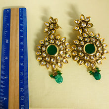 Load image into Gallery viewer, Gold green kundan handcrafted earrings