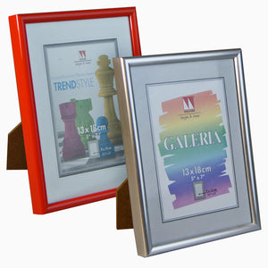 Economical Galeria 5x7 photo frames from The Photo Album Shop