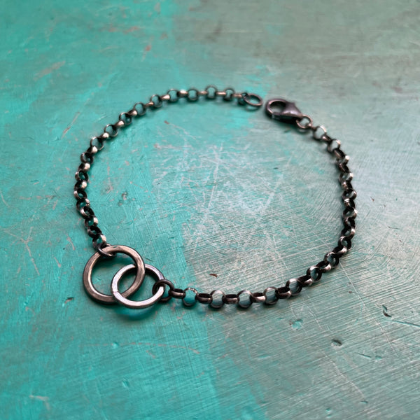 Interconnected Circles Bracelet