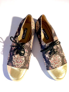 Black and gold oxfords