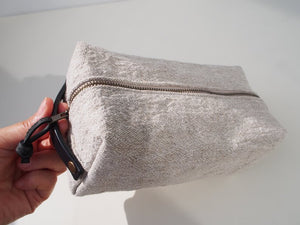 Linen Wash Bag (M) - Plain / Black Leather