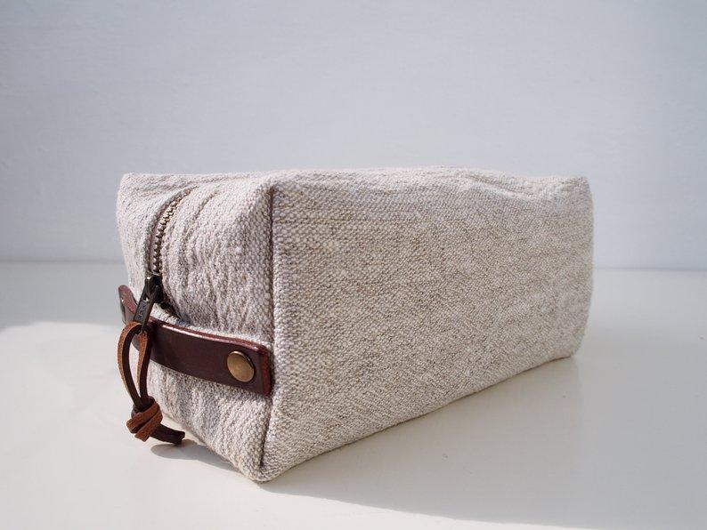 Linen Wash Bag (M) - Plain / Brown Leather