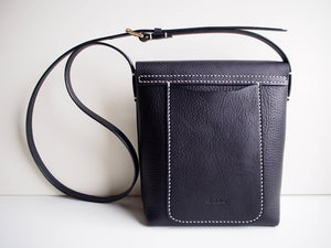 Crossbody Bag - Medium / Black