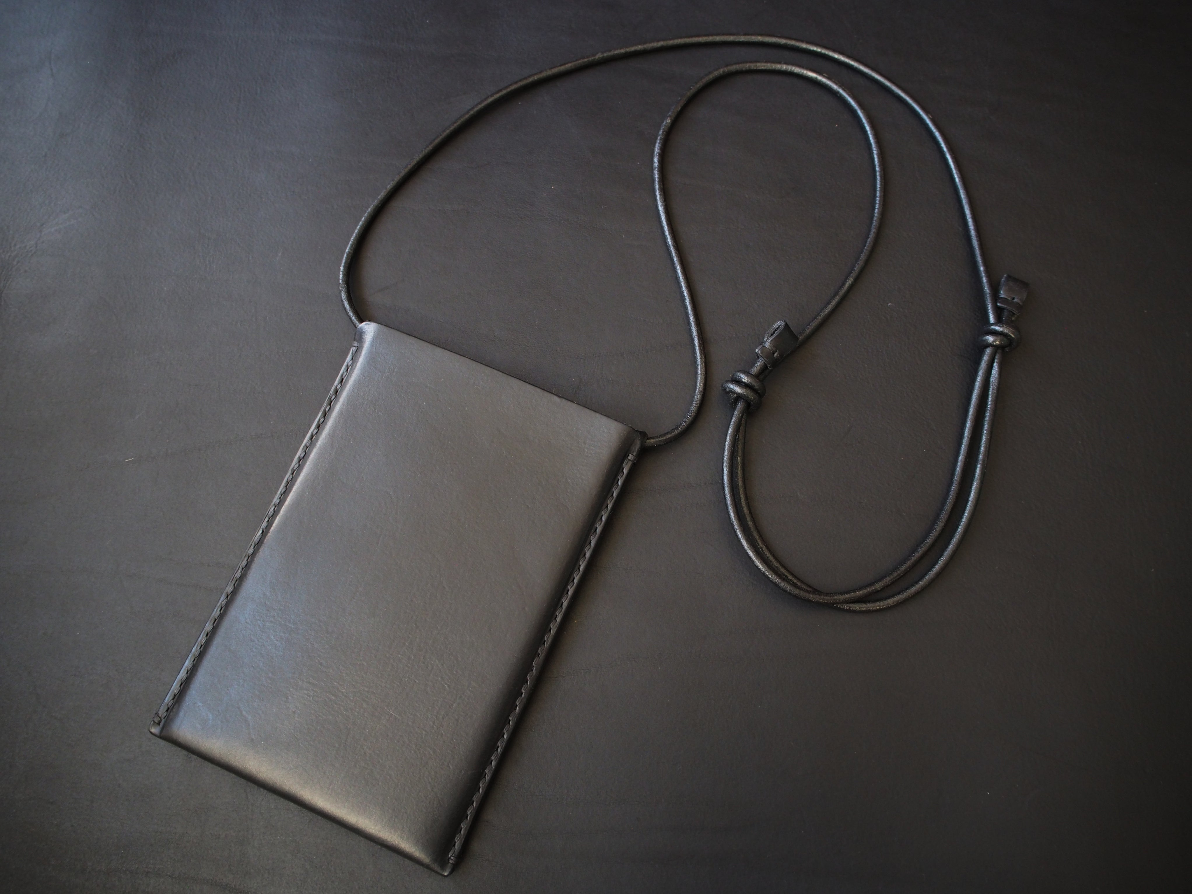Phone Crossbody Bag - Smooth Leather / Black