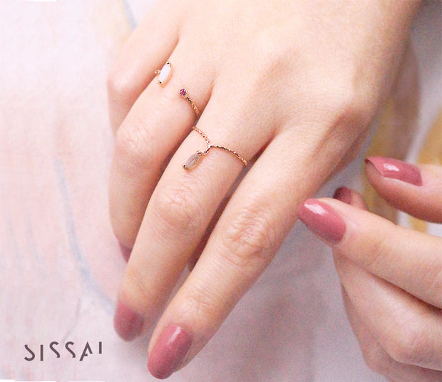 Blossom single gold ring