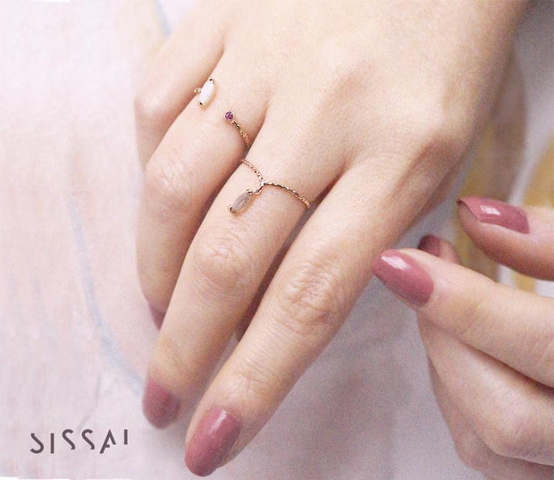 Single Stone Gold Ring