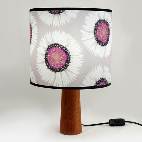 Albany Daisy Lampshade - Medium