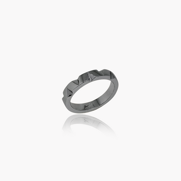 Edgy Facets Wedding Ring<br>(18K Solid Gold)