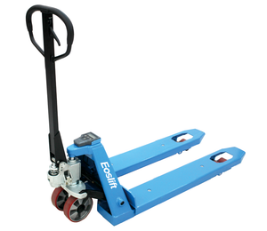 Hand pallet truck with a scale to measure the weight of pallets in a warehouse