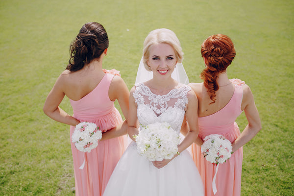 13 Wedding Hairstyles To Match Your Bridesmaid Dress The Kewl Blog