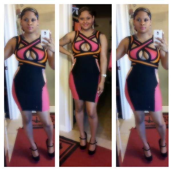 Slimming color block dress selfie
