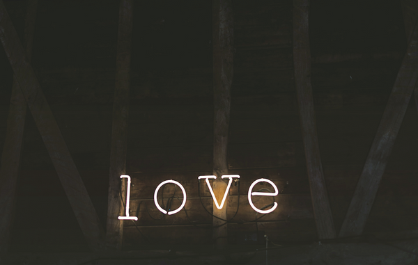 the word Love in neon