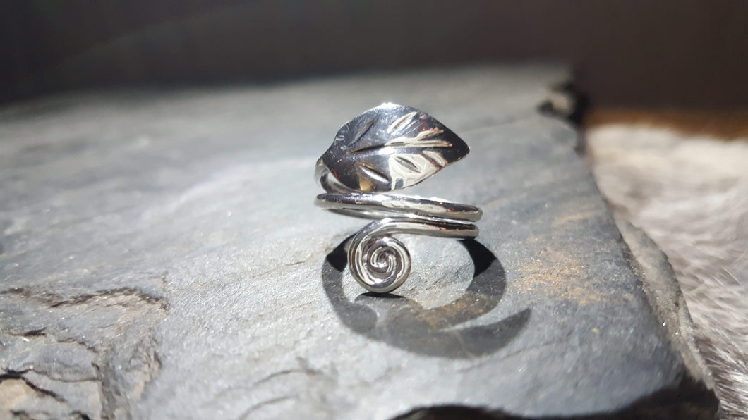 Handmade Pure Silver Elvish Leaf Ring - The Carnutian Workshop