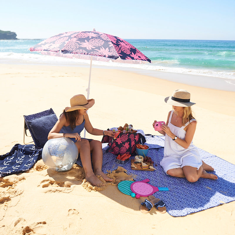The essential guide to a perfect beach picnic