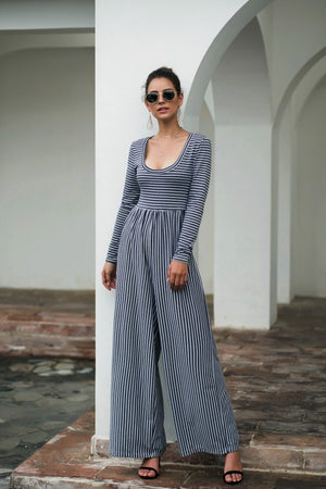 Explosive Models U-neck Sexy Wide-Leg Striped Jumpsuit - Grey