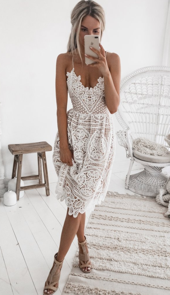 Sweetheart lace midi dress