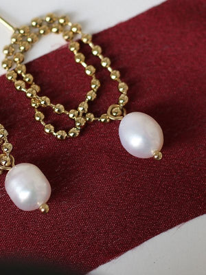 Temperament Simple Pearl Earrings