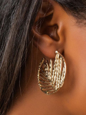 Hollow Round Leaf Earrings