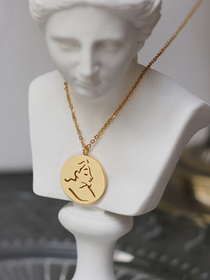 Abstract face line round necklace