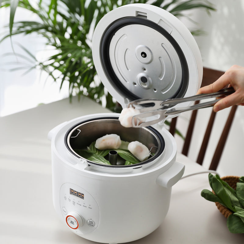 It can also steam various ingredients like dimsum and vegetables