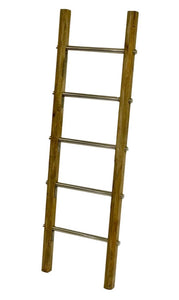 Blanket ladder (leaning)