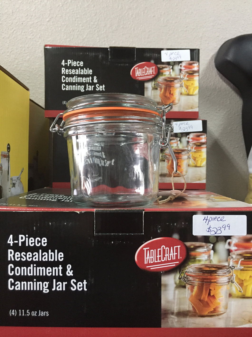 Resealable jar