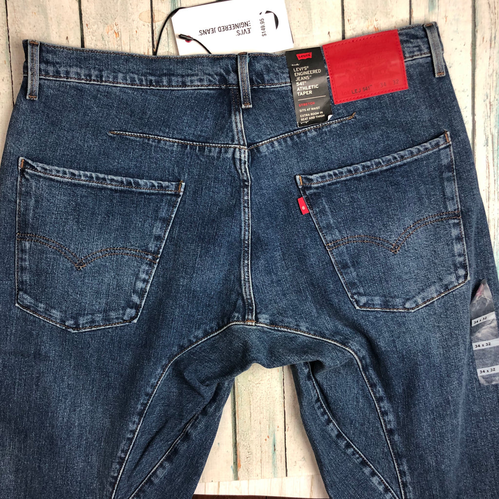 NWT - Levis 541  Mens Athletic Fit Jeans - Size 34/32