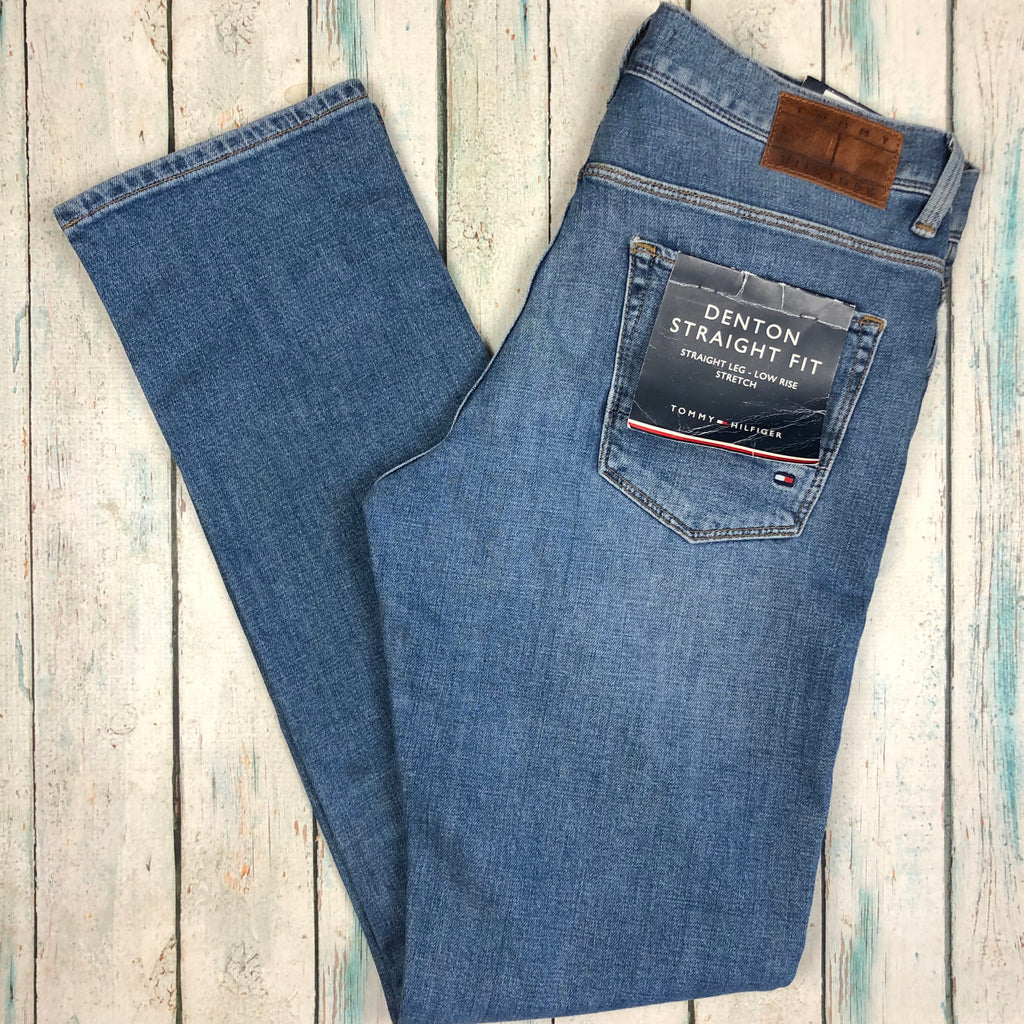 NWT- Tommy Hilfiger Womens 'Denton'  Straight Fit Jeans -Size 30/32