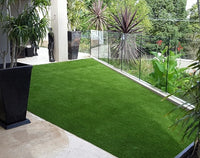 What to pay attention to when laying casual artificial grass