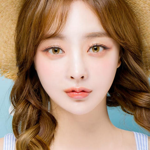 Etoile Honey Brown Colored Contacts model 2