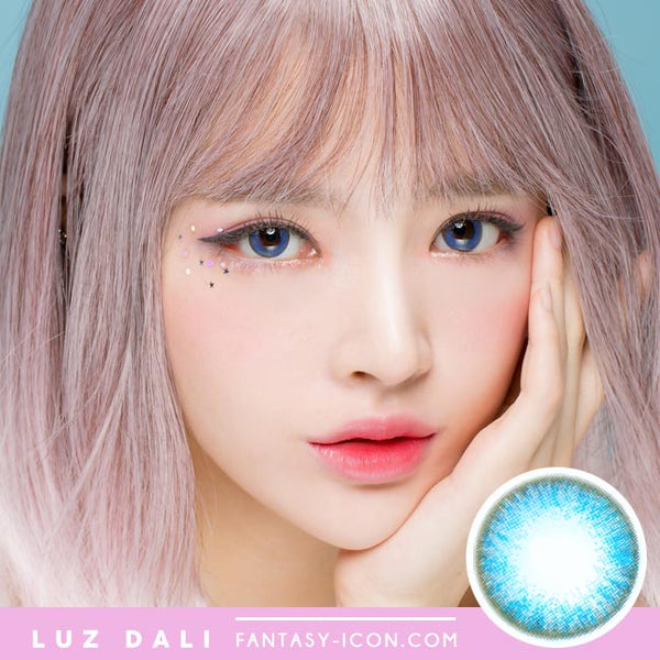 Luz Dali Extra Blue Contacts | Aqua Circle Lens Model