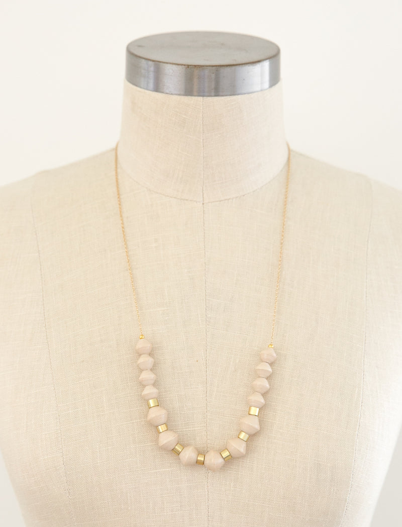 MILLIE SCOOP NECKLACE (CREAM)