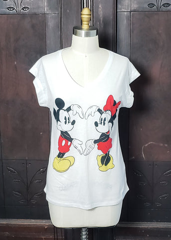 Minnie ❤ Mickey T-shirt (Medium)