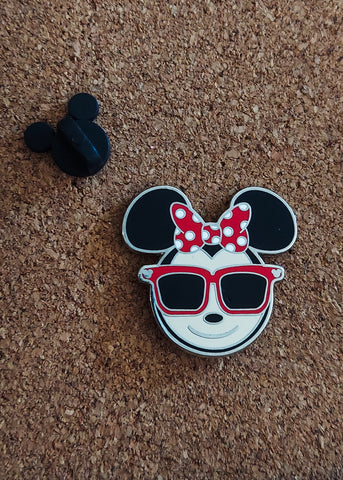 Summer Minnie Pin